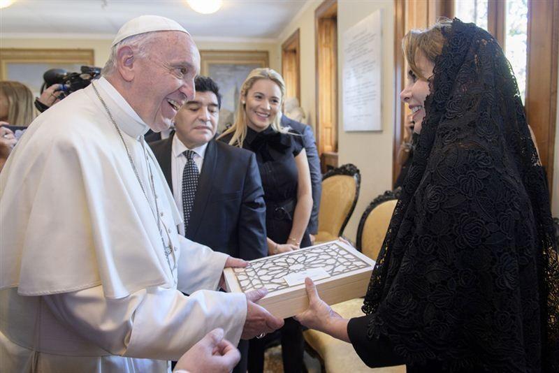 هيا بنت الحسين تبحث مع بابا الفاتيكان جهود مكافحة الجوع العالمية