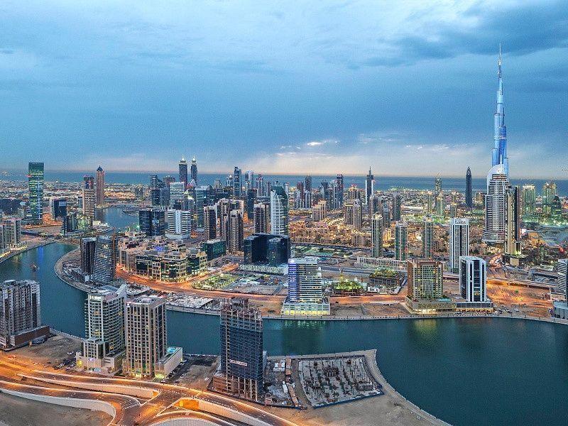 دبي: افتتاح ممشى مراسي الخليج التجاري نوفمبر 2016