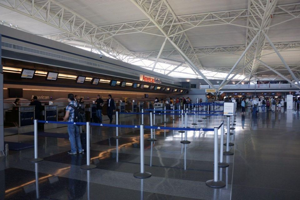 أمريكا تحظر على ركاب الطائرات من دول عربية حمل أجهزة إلكترونية كبيرة