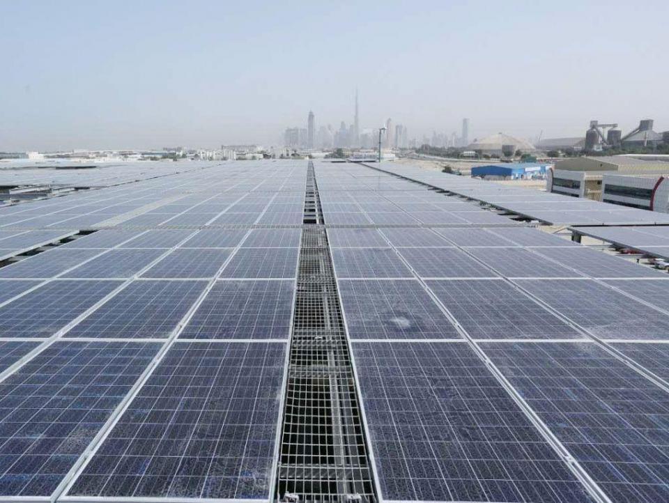 ديوا بدبي تقول إن 30 طرفا أبدوا اهتمامهم بمشروع للطاقة الشمسية