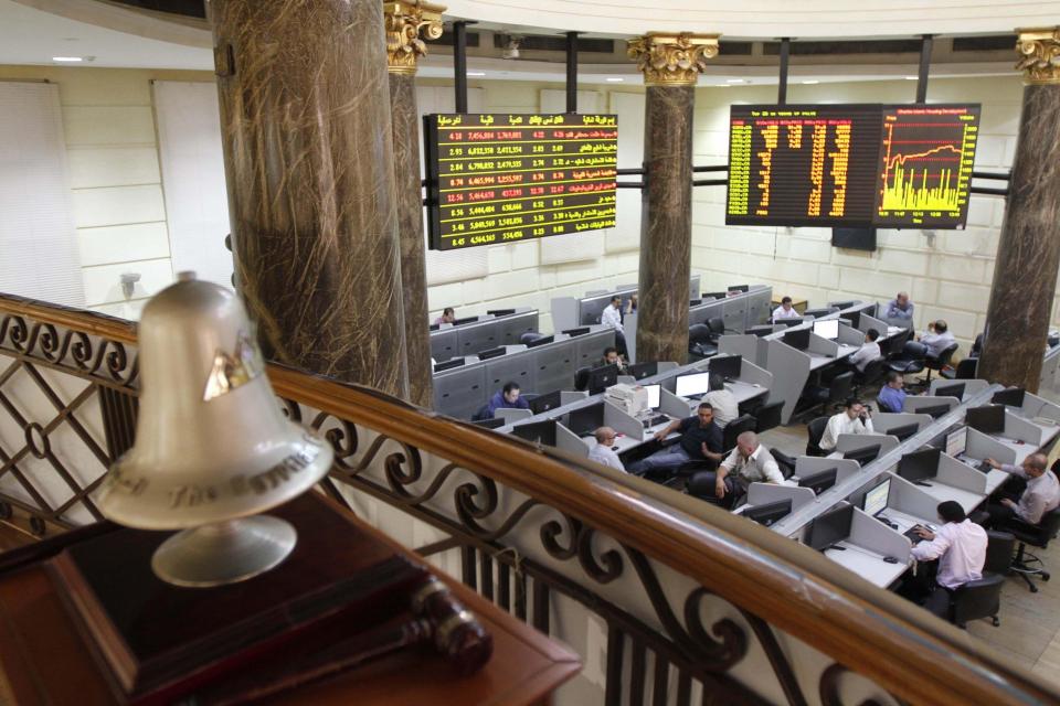 جني أرباح ينزل بأسهم مصر والسعودية وهبوط خليجي مع الأسواق الناشئة