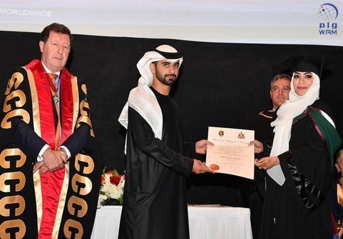 منصور بن محمد يشهد حفل تخريج الدفعة الـ 11 من الكلية الملكية للجراحين الإيرلندية بدبي