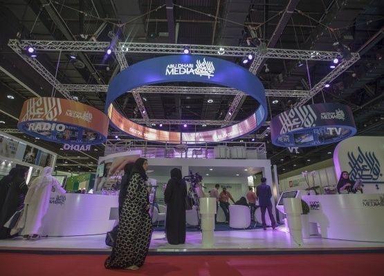 """""""أبوظبي للإعلام"""" و""""مجموعة شبكات فوكس"""" توقعان اتفاقية بث مشترك"""