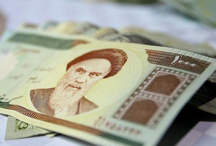 """إيران تتجه لاستعادة عملتها القديمة """"تومان"""""""