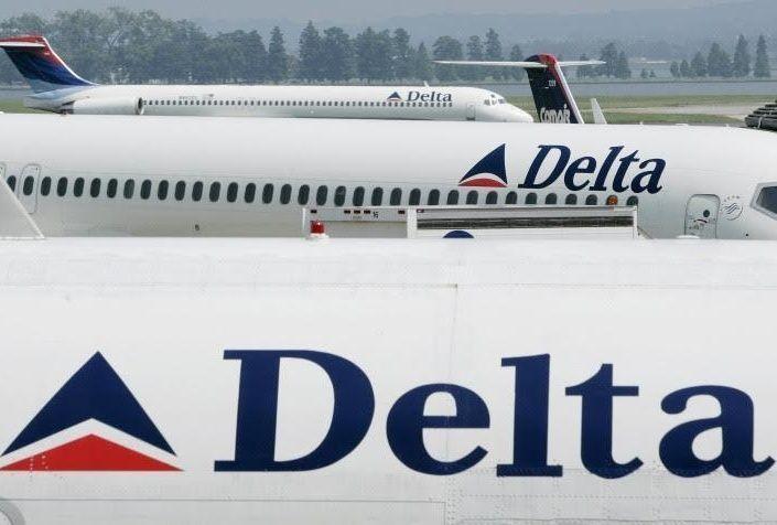 أميركي من أصل يمني يؤكد إنزاله من طائرة لشركة دلتا لتحدثه بالعربية