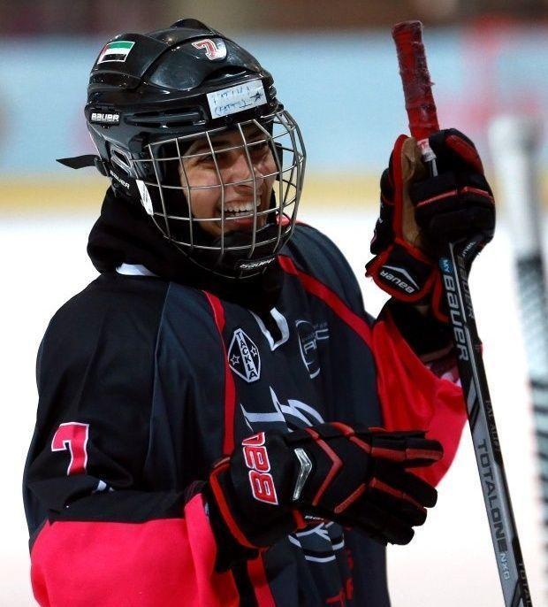 مفاجأة من فريق أمريكي للاعبة إماراتية أبهرت العالم في هوكي الجليد