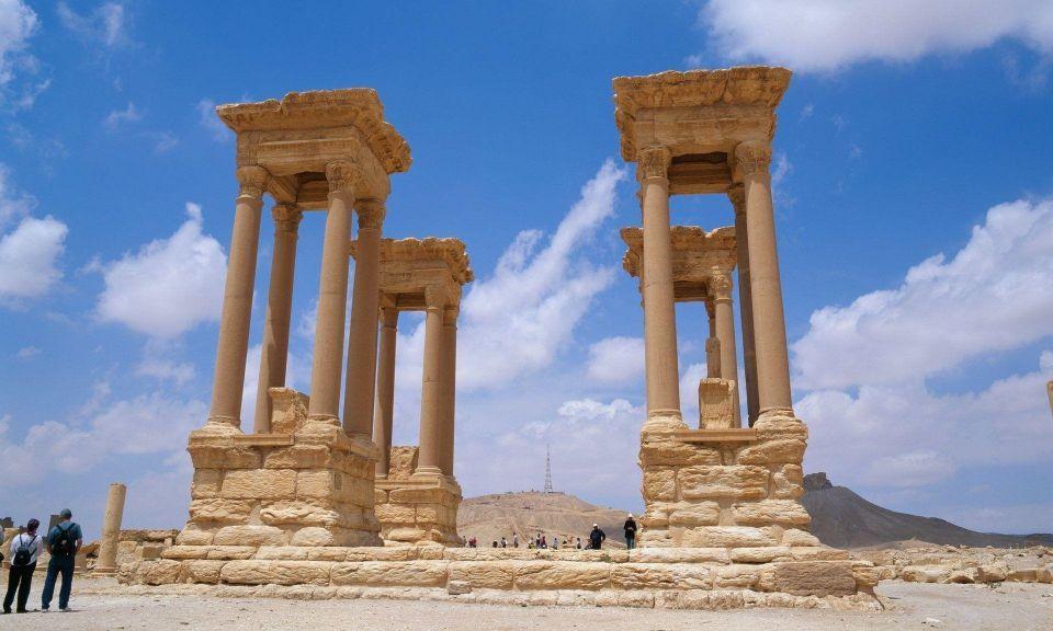 داعش تهدم معالم شهيرة في تدمر