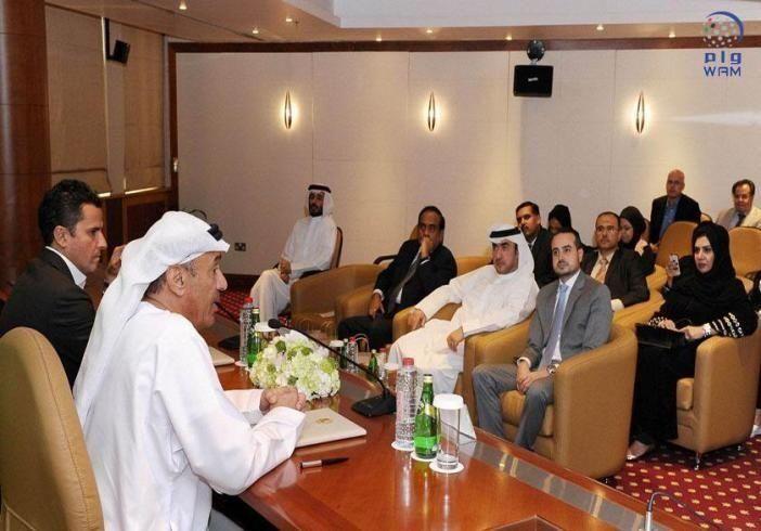 """بلدية دبي و""""فيليبس للإنارة"""" توقعان عقد """"مصباح دبي"""""""