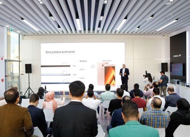 سامسونج الخليج تكشف النقاب في دولة الإمارات عن سلسلة هواتفها الذكية الأحدث