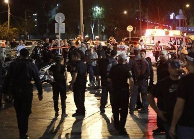 بالصور : قتلى وجرحى في عملية إطلاق نار نفذها فلسطينيان بتل أبيب