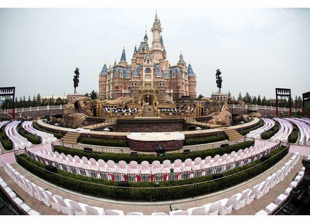 بالصور : ديزني تفتتح أول مدينة ترفيهية لها في الصين