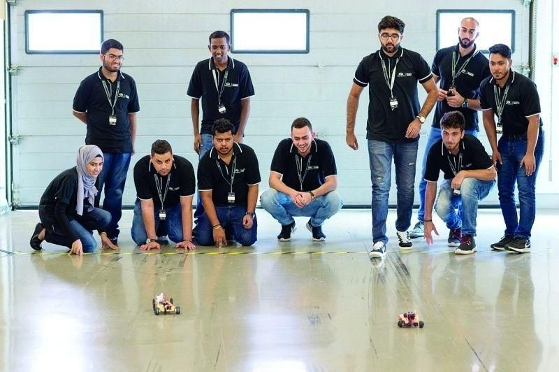 """طالب من الإمارات يحظى بفرصة العمل مع """"فورمولا 1"""""""