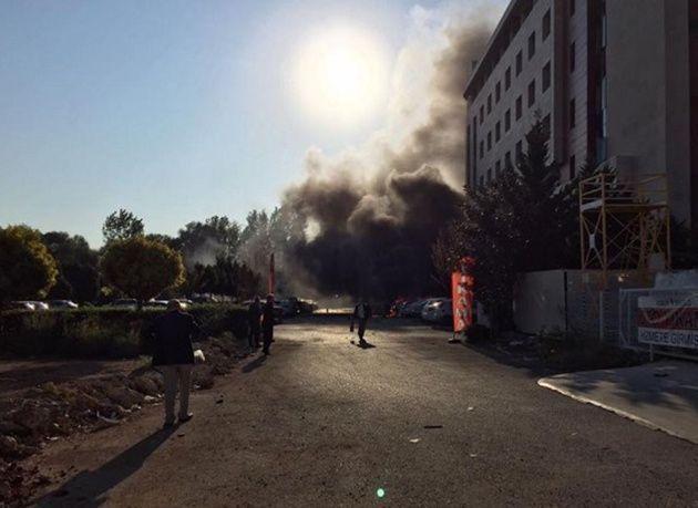 """بالصور : انفجار في مبنى """"غرفة التجارة والصناعة"""" بأنطاليا جنوب تركيا"""