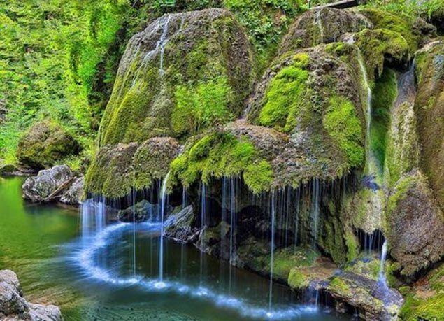 """بالصور : """"بيجار"""" من أجمل الشلالات في العالم"""