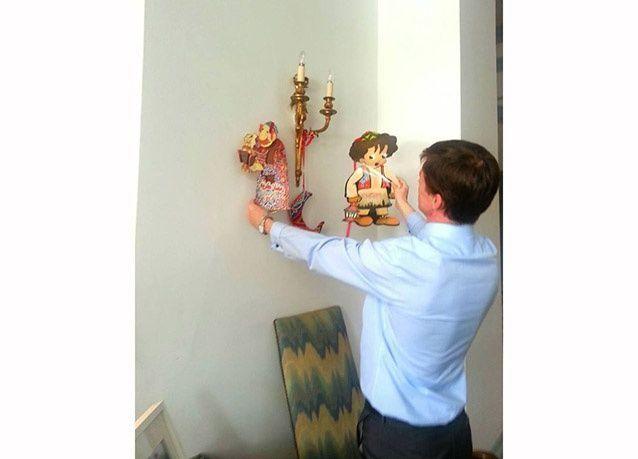 بالصور : السفير البريطاني في القاهرة يزين منزله بالخيامية الرمضانية المبهجة احتفالاً بالشهر المبارك