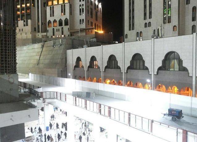 بالصور : إكتمال جسر الصفا بالمسجد الحرام وتشغيله