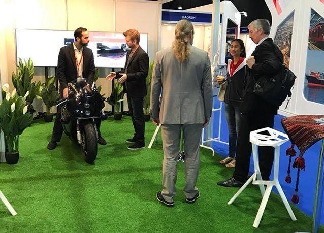 شاهد أسرع دراجة نارية ذاتية القيادة في العالم في دبي