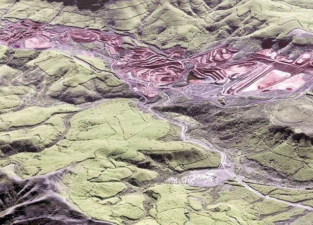 بالصور : صور جوية مذهلة تكشف عن القمم الشاهقة والأنهار المتعرجة وناطحات السحاب البراقة