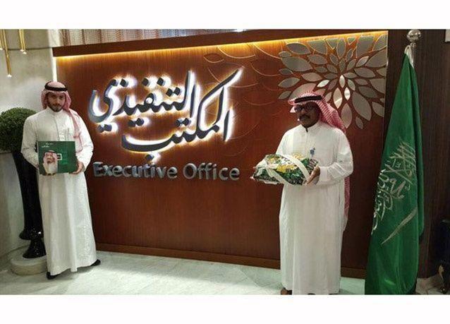 بالصور : وزير النقل السعودي يدشن المكتب التنفيذي الجديد بمطار الملك عبدالعزيز الدولي في جدة