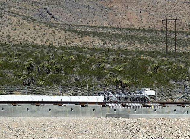 بالصور : قريباً في دبي .. أسرع قطار في العالم يقطع مسافة 1200 كم بالساعة