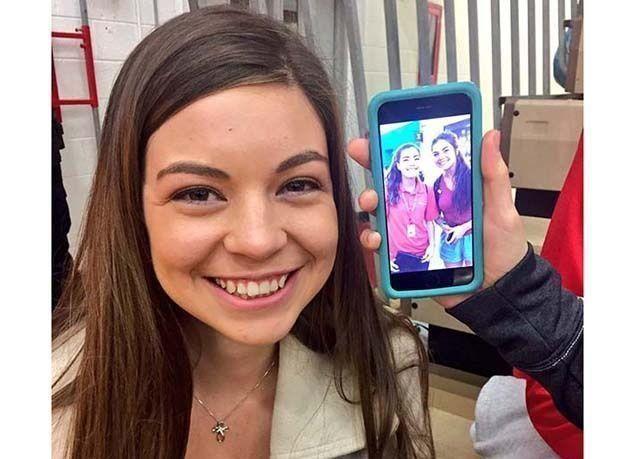بالصور : فتاة تنجح في إيجاد 40 شبيهة لها !