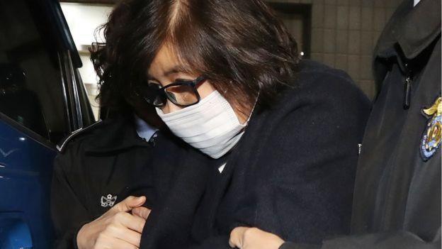 مداهمة مقر سامسونج في إطار تحقيق بشأن فضيحة سياسية بكوريا الجنوبية