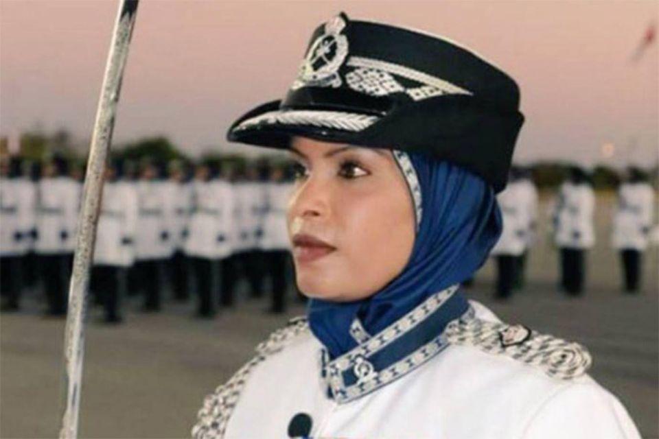 """""""شيخة الحمبصية"""" أول امرأة قائدة لمركز شرطة في عُمان"""