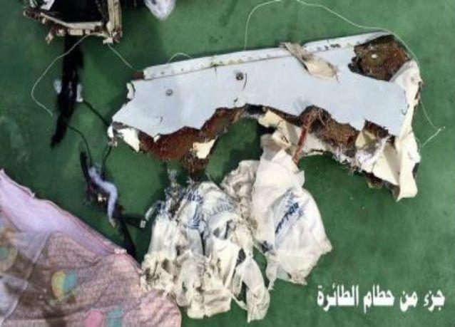 مسؤول بالطب الشرعي المصري: أشلاء ضحايا الطائرة المصرية تشير لانفجار