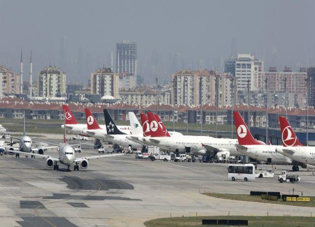 استئناف العمل وحركة الطيران جزئياً في مطار أتاتورك بعد الهجوم الانتحاري