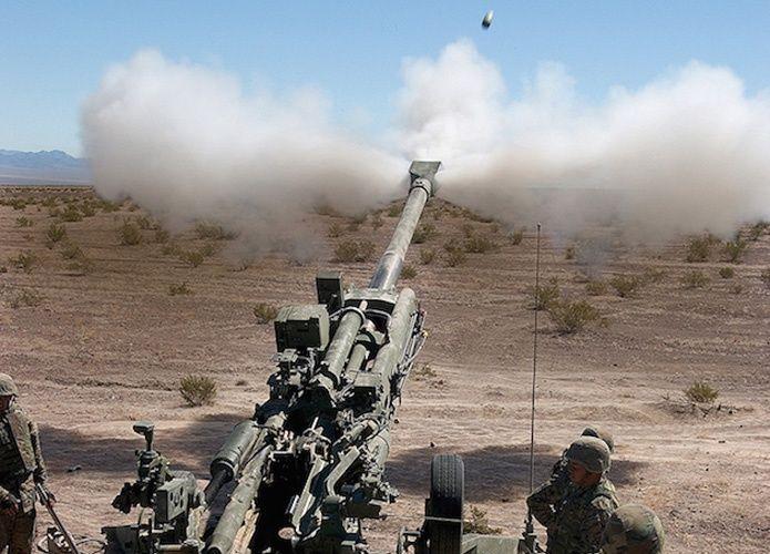 """""""بي أيه إي سيستمز"""" والإمارات لتكنولوجيا الدفاع تتعاونان لتقديم هاوتزر M777 إلى دولة الإمارات"""