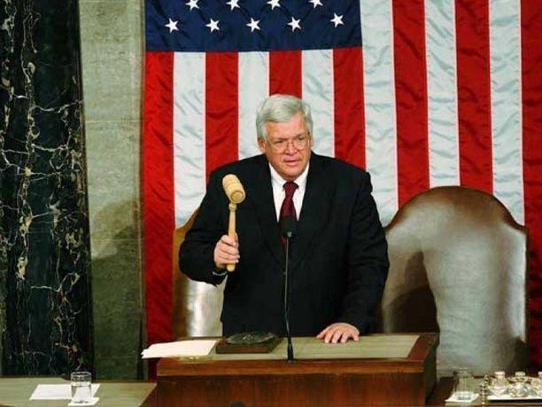 رجل يقاضي رئيس مجلس النواب الأمريكي السابق لعدم سداده تعويض الاعتداء عليه جنسيا
