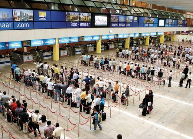 إلزام زائري الإمارات من مقيمي دول الخليج ومرافقي مواطنيها بالتأشيرة الإلكترونية المسبقة