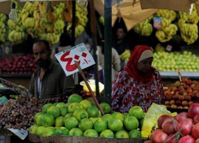 المستوردون المصريون يواجهون شبح الإفلاس بعد تحرير سعر الصرف