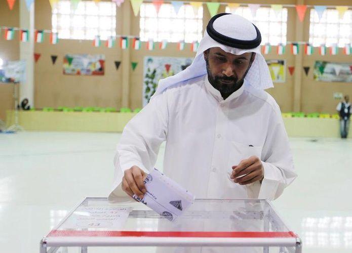 انتخابات الكويت تسفر عن معارضة قوية وتراجع للنواب الحكوميين