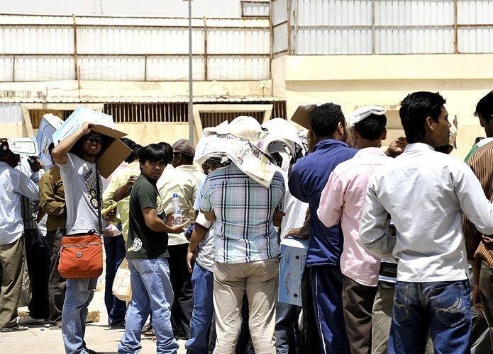 السعودية تعفي مخالفي نظام الإقامة من بصمة مرحل