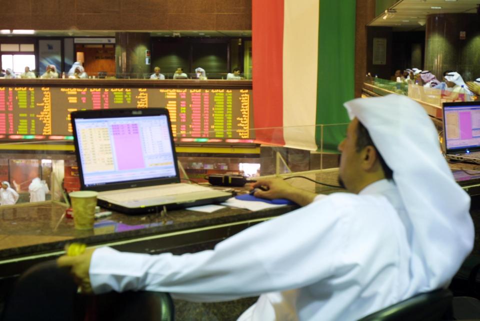 البنوك تدعم أسواق الأسهم الخليجية وسط أجواء عالمية ضعيفة