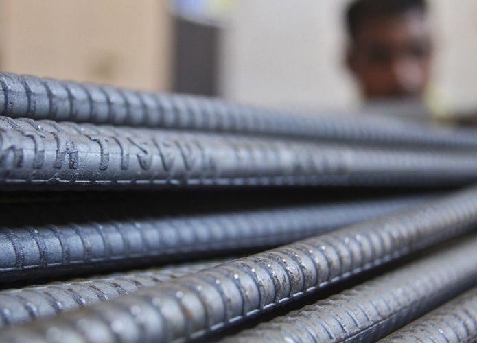 مشترون إماراتيون ينتظرون أسعاراً أقل لحديد التسليح التركي