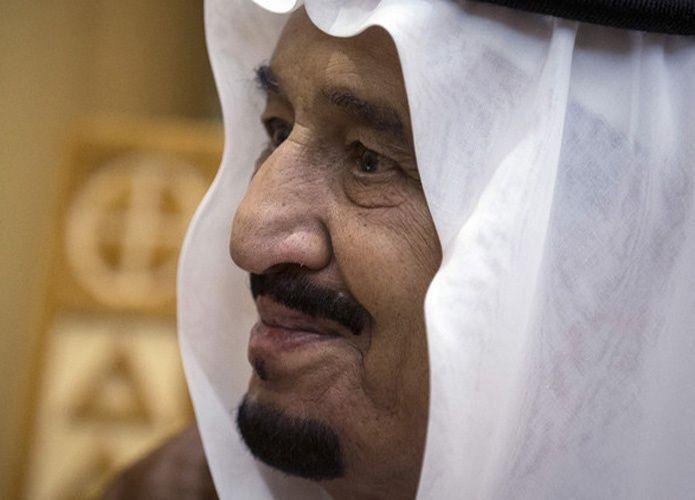 العاهل السعودي يدشن 5 مشاريع في قطاع الكهرباء بقيمة 15 مليار ريال