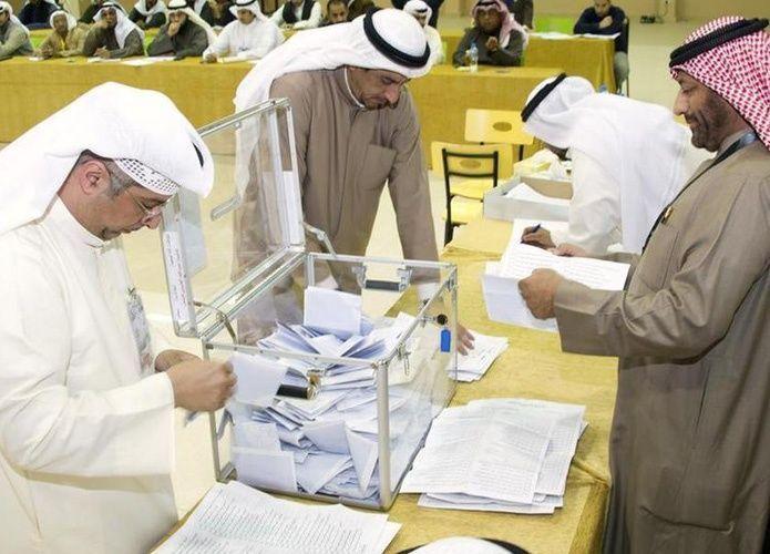 بعد مقاطعة 4 سنوات.. الكويتيون يدلون بأصواتهم لاختيار نواب البرلمان