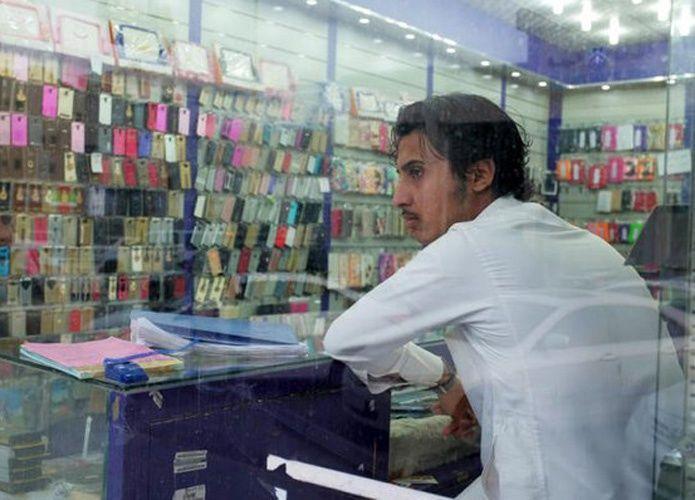 صحيفة: تجفيف السوق من أجهزة الجوالات يفشل سعودة محال الجوالات