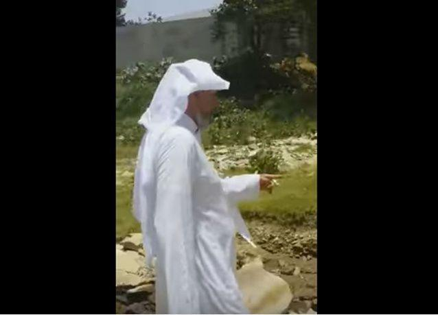 فيديو: انفجار نبع نفط قرب منزل مواطن سعودي!