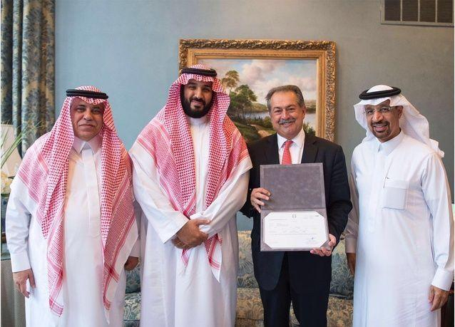الأمير محمد بن سلمان يسلم شركة أمريكية عملاقة أول ترخيص استثمار أجنبي بالكامل