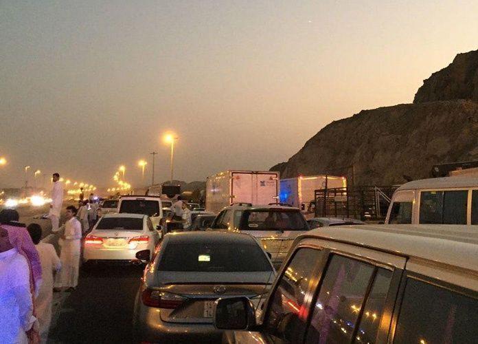 احتجاج مئات العمال في مجموعة بن لادن بسبب تأخير رواتبهم