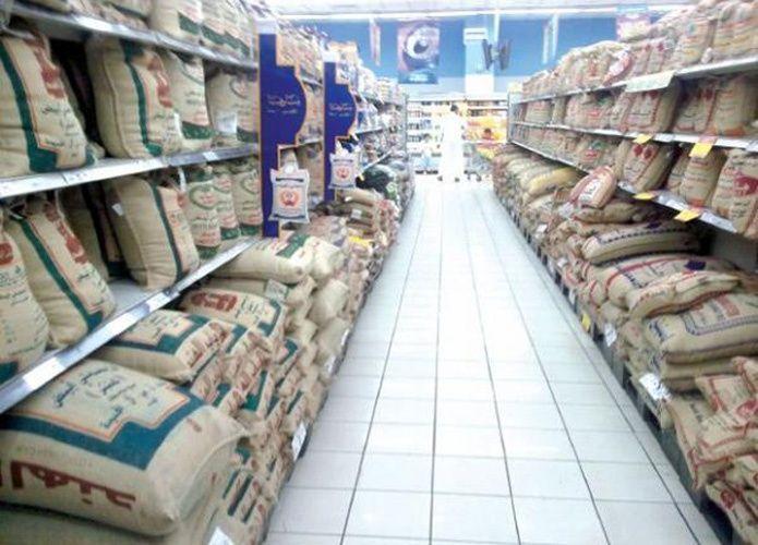 السعوديون قلقون: هل نأكل أرزاً بلاستيكياً؟