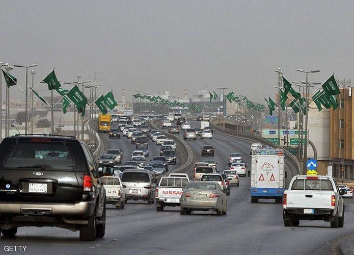السعودية تبدأ بتطبيق الرسوم الجديدة للتأشيرات