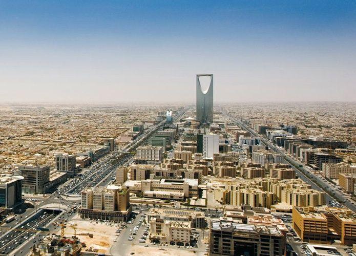 السعودية تعين مكتباً أمريكياً لمراجعة عقود مشاريع لوزارات الإسكان والنقل والصحة والتعليم