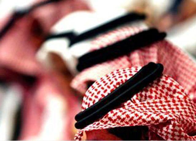 """السعوديون يحيون """"الراتب ما يكفي الحاجة"""" على تويتر مرة ثالثة"""