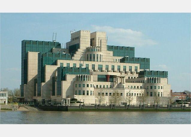 الاستخبارات البريطانية تجسست على الملايين من مواطنيها لمنع تسريب كتاب هاري بوتر