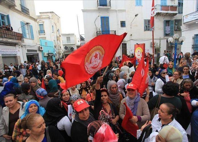 اتحاد الشغل التونسي يهدد بإضراب عام احتجاجاً على تجميد زيادة الرواتب