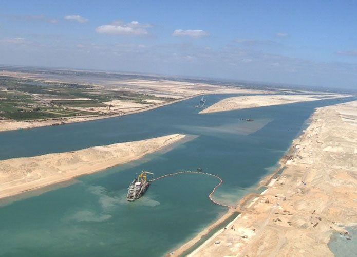 ارتفاع إيرادات قناة السويس إلى 423.9 مليون دولار في مارس